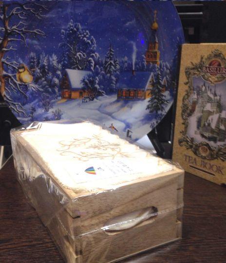 Ящик деревянный + 5 салфеток 30х30